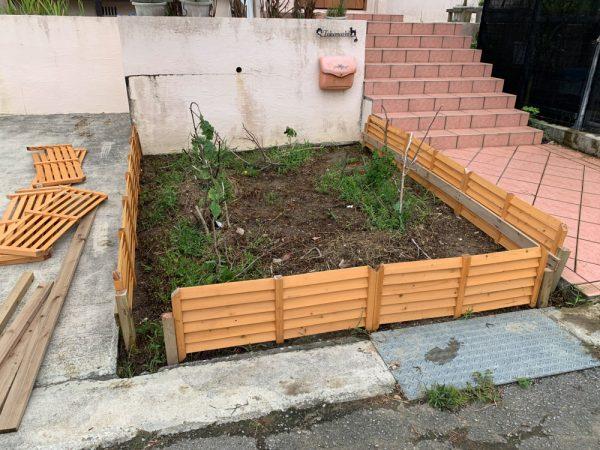 花壇の整備しました